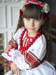Укр.костюм дівчинка 6